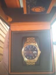 Relógio Constantim modelo ZW20065A