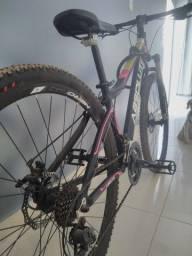 Bicicleta feminina nova , ,tem documento