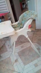 Cadeira alimentação com encosto reclinável