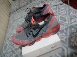 Vendo ou pego outro Nike tá novo