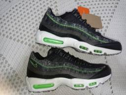 Nike Air Max 95 Men's Shoes<br><br>