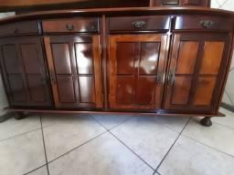 Mesa e armário