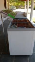 Freezer horizontal 400L semi novo (AÇAI/SORVETERIA)
