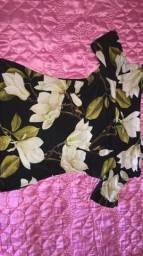 Vendo estas duas blusas e uma bolsa em um ótimo estado