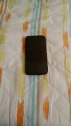 Celular Moto G com 2 capinhas