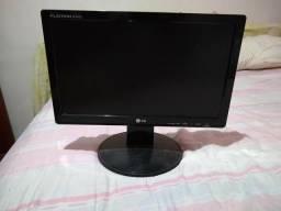 2 monitores ( LG w1642st e AOC 1619swa)