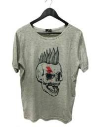 Camiseta Estampa Caveira Punk