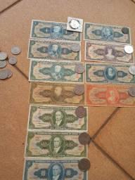 45 cédulas diferente e 30 moedas