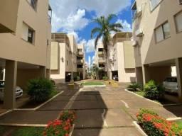 AP0227 Vende-se apartamento de 3 quartos em condomínio fechado