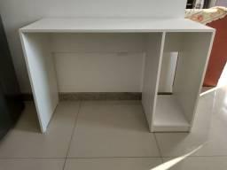 Mesa com divisória / escritório/ escrivaninha Nova
