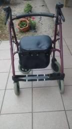 Andador com cadeira