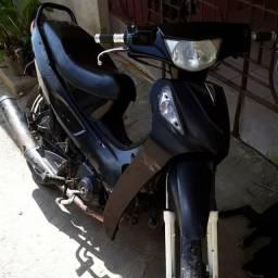Vendesse está moto kasinski 50cc 2011