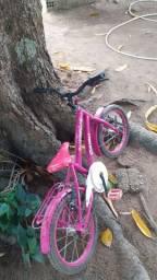 Vende se este bicicleta infantil.