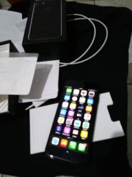 IPhone 7 Preto Brilhante 32 GB
