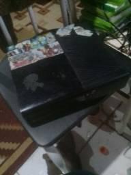 Vendo  Xbox 360 original   para  tirar  peça