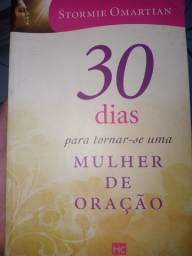 """Livro """"30 dias para se tornar uma mulher de oração"""""""