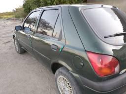 Carro Ford fiesta ano 2001