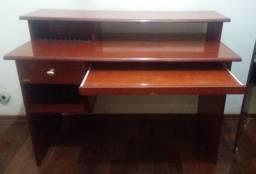Vendo Mesa Rack Computador Madeira Mogno - 1.20 mt