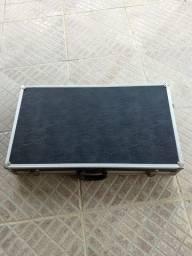 Case Pedalboard Maleta 70x40 bem conservada