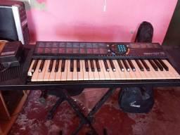 Vendo um teclado