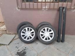 pneus, rodas e raque