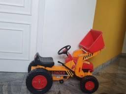 Trator escavadeira a pedal - bandeirante