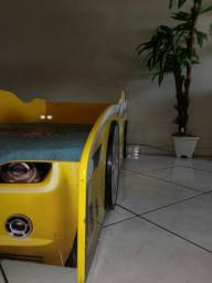 Vendo Uma Cama Infantil Modelo Carro tamanho Padrão Solteiro.