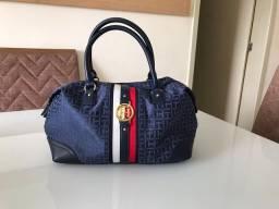 Bolsa tommy Hilfiger bauzinho,azul com lindos detalhes