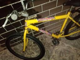 Uma bicicleta. aro 26