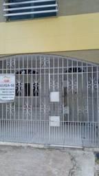 CASA COM TRES QUARTOS A 100 MRS DA DUQUE DE CAXIAS POR R$ 900,00