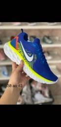 Tênis Nike , muito confortável
