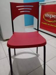 Cadeira Vermelha + Cadeirão Infantil