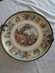 Centro de mesa em porcelana e bronze