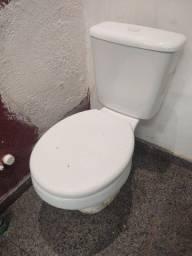 Vaso sanitário com caixa acoplada Deca
