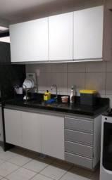 armário de cozinha mdf branco c/detalhes em cor prata