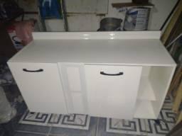 Vendo um armário de cozinha está em Búzios