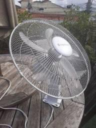 Ventilador de Parede - 50cm - 6 helices - economia  AA