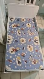 Cama infantil com colchão + 45 peças de cama