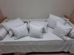 Conjunto cama de solteiro e berço em madeira maciça