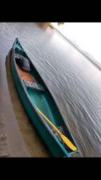 Canoa canadense com carretinha