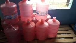 Vendo galeões de água
