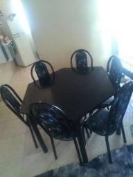 Vendo urgente 450 mesa 6 cadeiras