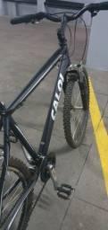 Bicicleta caloi muito nova