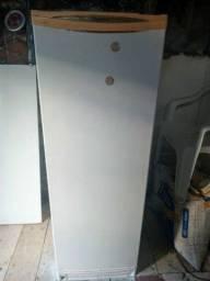 Vendo geladeira Degelo Esmaltec
