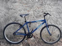 Bicicleta aro 26. Pneu traseiro novinho.