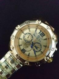 Relógio muito lindo