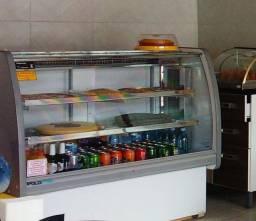 Balcão Vitrine Refrigerado para bolos, tortas e doces.