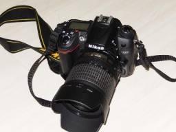 Nikon D7000 com flash SB 700 semi nova, somente 35130 cliques