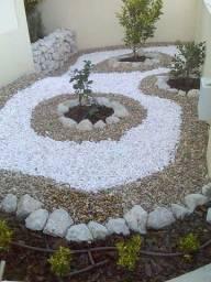 Jardineiro e paisagista.
