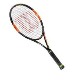 Raquete de Tênis Wilson Burn 100 Team-L2 (4 1/4) - Preto e Laranja - de R$999 por R$799!